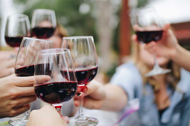 Liv-ex data paints promising picture for fine wine market in 2016