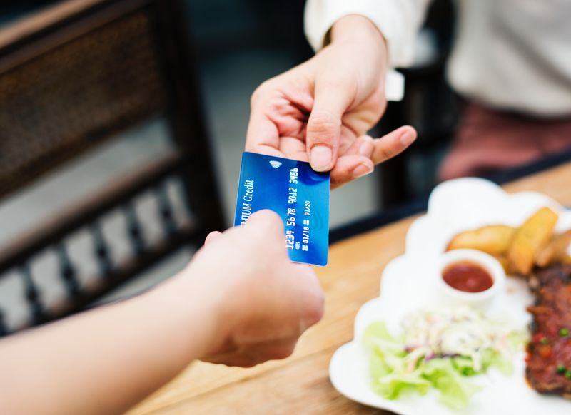 SMEs need to get ready for the cashless economy