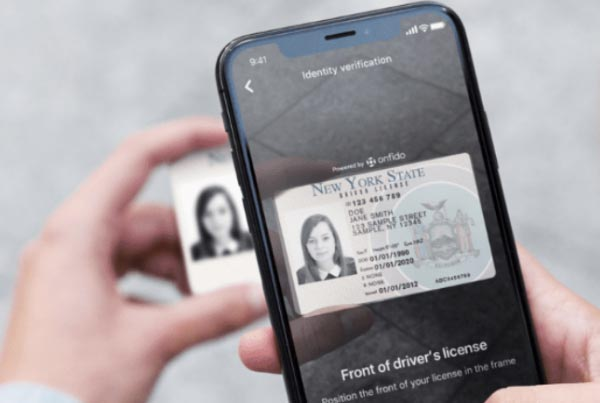 Drivers license ID app on smartphone